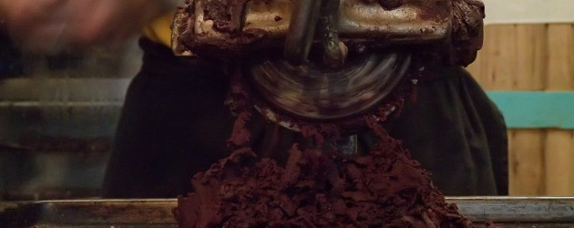 Chocolate grinder, Mindo