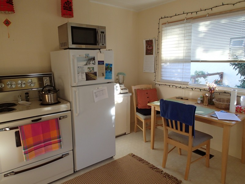 A full kitchen allows for self-catering