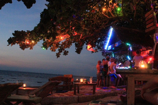 Meeting Point bar (Klong Khong beach)