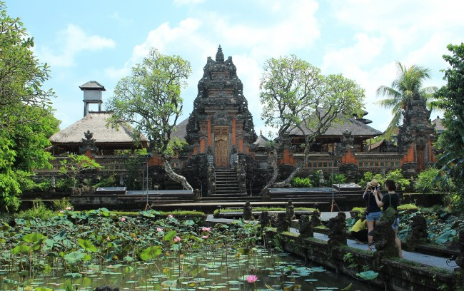 Ubud Water Temple and lotus pond (Ubud Bali)