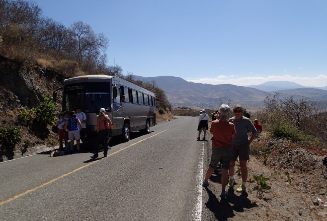 Hike #2 started with bus problems (mountains around Oaxaca)