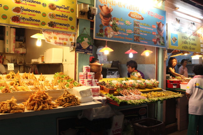 I hate at this night market several times a week while in Chiang Rai (Thailand)