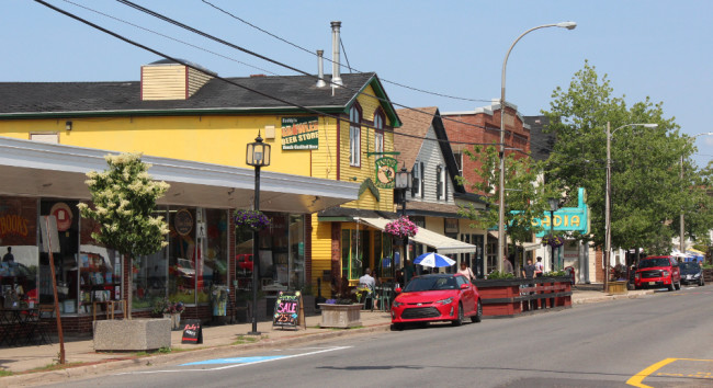 Another view of Main Street (Wolfville)