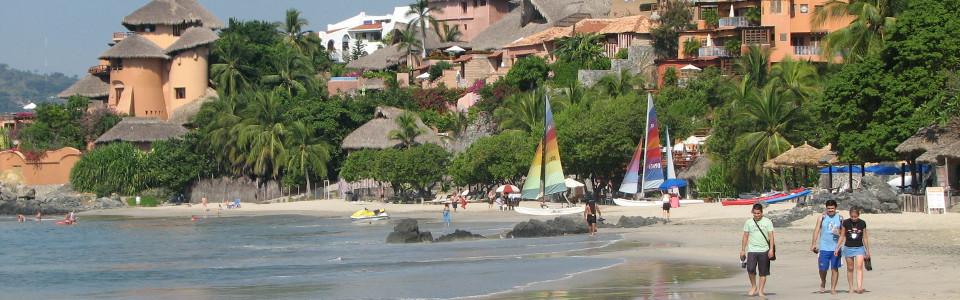 Beach in Zihuatanejo (state of Guerrero)