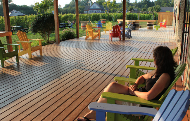 Sandbanks Estate Winery lawn and deck (Prince Edward County)