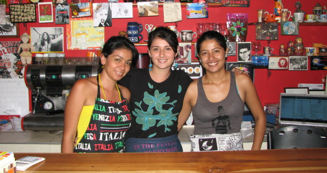 Meeting 3 charming bartenders in a wine bar in Colombia