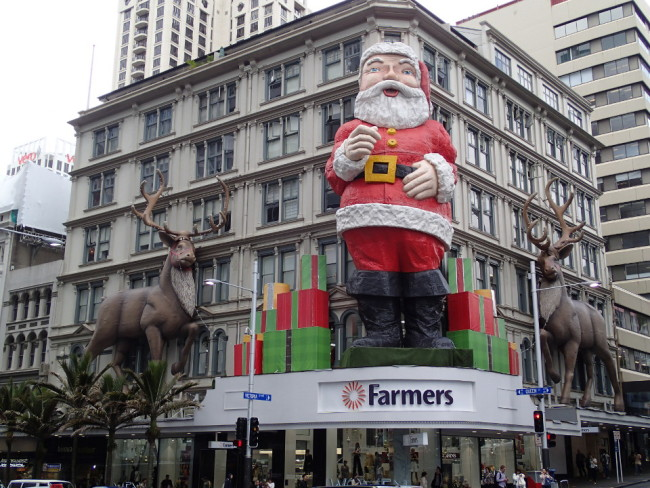 Giant Christmas ornaments (Auckland, New Zealand)