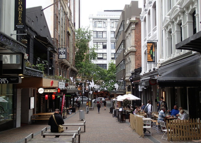 Small pedestrian street off Queen St. (Auckland, New Zealand)