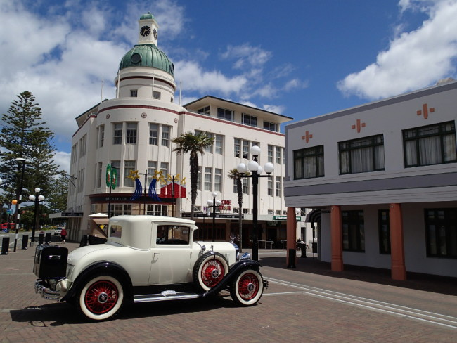 Scene from the 1930s? (Napier, New Zealand)