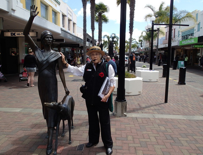 Walking tour guide (Napier, New Zealand)