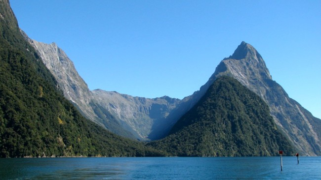 Cruising through Milford Sound (New Zealand)