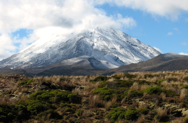 Ngauruhoe volcano, near Tongariro (New Zealand)