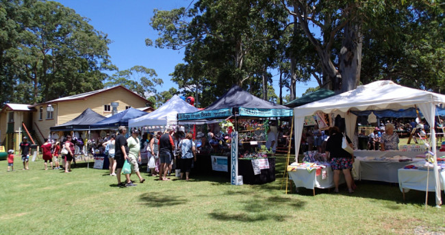 Second Sunday of the month market on the Showgrounds (Tamborine Mountain)