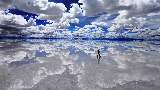 Salar de Uyuni reflecting the sky, Bolivia