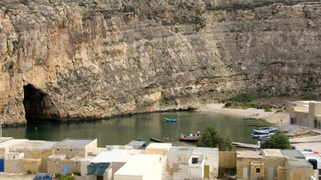 Dwejra Inland Sea (Malta in photos)