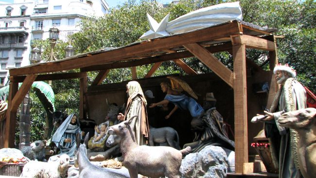 Life-size nativity scene, Buenos Aires - Christmas traditions