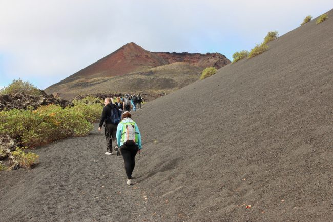 Our our way to the crater of La Rilla (walking on Lanzarote)
