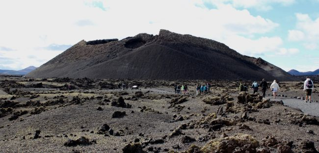 Volcan del Cuervo (walking on Lanzarote)