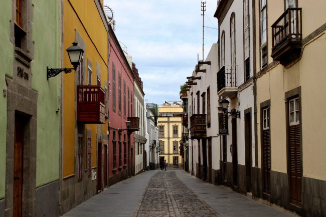 Street in Vegueta (travel guide to Las Palmas de Gran Canaria)