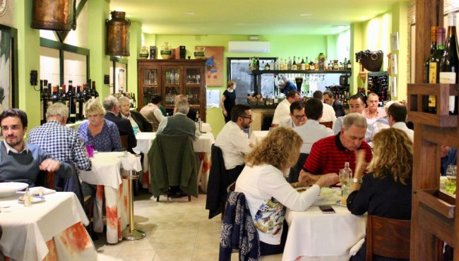 Having lunch at popular De Cuchara (travel guide to Las Palmas de Gran Canaria)
