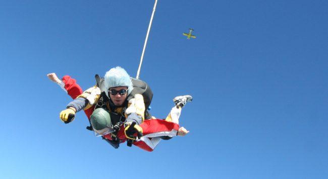 tandem parachute jump (203 travel challenges)