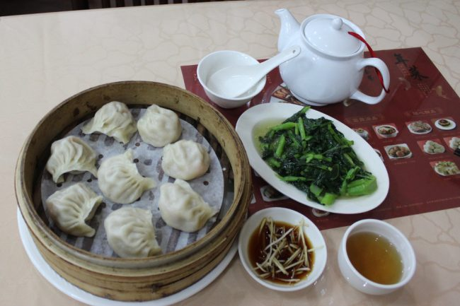 Shanghainese dumplings at Qinyuan Chun, Taichung (what to eat in Taiwan)