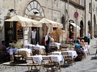 Eating al fresco in the Jewish Ghetto