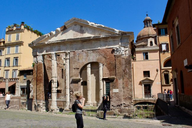 Porta d'Ottavia ruins, Jewish Ghetto (food tour in Rome)