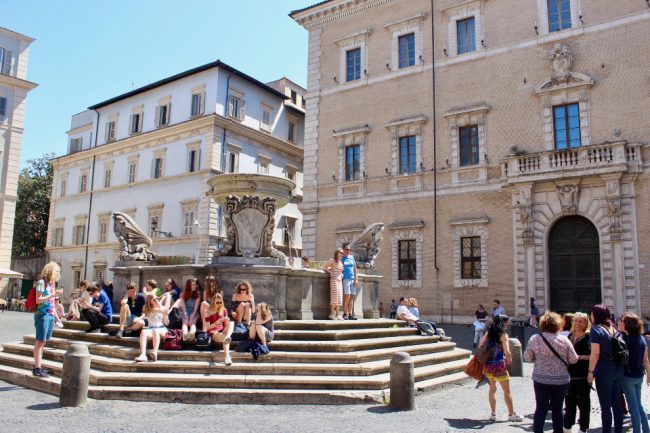 Piazza di Santa Maria in Trastevere (food tour in Rome)