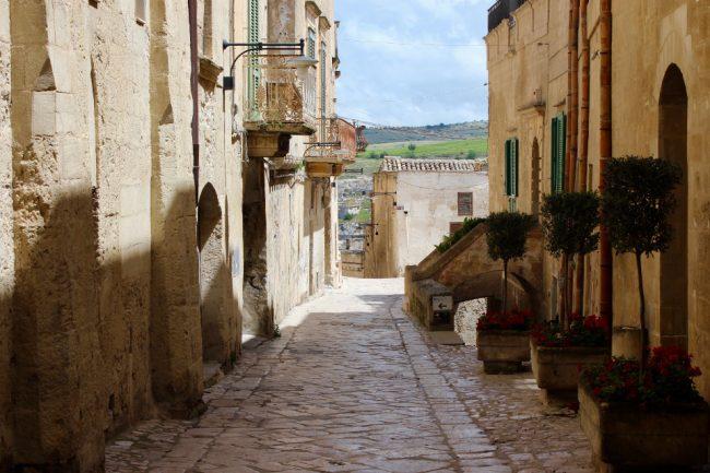 A pedestrian street in Matera (Matera in photos)