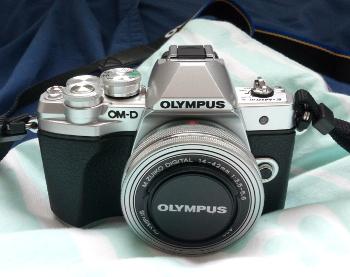Olympus E-M10 III camera (retrospective 2018)