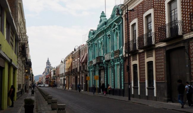 A street in Puebla's historic centre (things to do in Puebla)